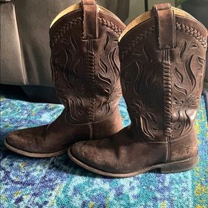 Size 6 Dark brown Frye boots